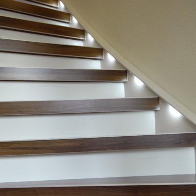 Treppe mit Lichtspots nachher